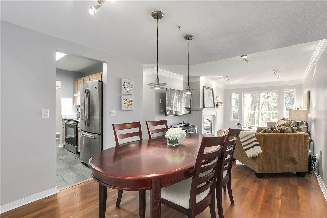 """Photo 6: Photos: 202 22275 123 Avenue in Maple Ridge: West Central Condo for sale in """"MOUNTAINVIEW"""" : MLS®# R2220581"""