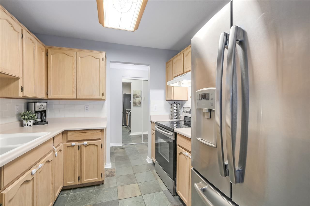 """Photo 7: Photos: 202 22275 123 Avenue in Maple Ridge: West Central Condo for sale in """"MOUNTAINVIEW"""" : MLS®# R2220581"""