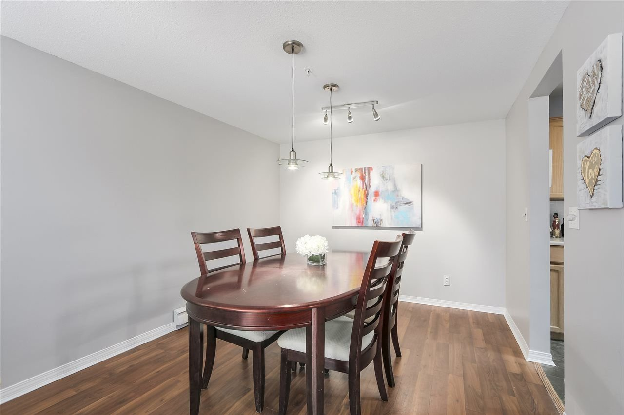 """Photo 5: Photos: 202 22275 123 Avenue in Maple Ridge: West Central Condo for sale in """"MOUNTAINVIEW"""" : MLS®# R2220581"""