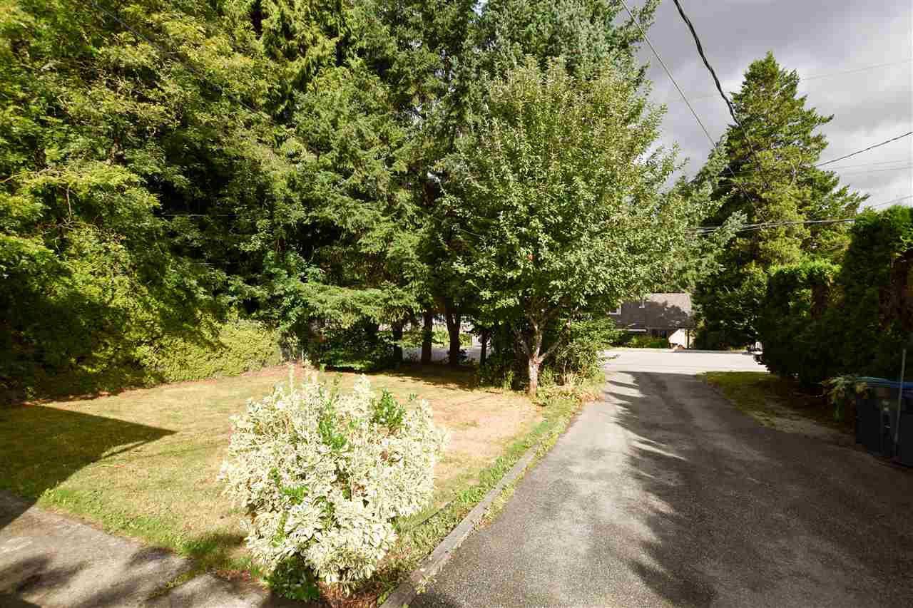 "Photo 3: Photos: 13878 115 Avenue in Surrey: Bolivar Heights House for sale in ""Bolivar Heights"" (North Surrey)  : MLS®# R2229094"