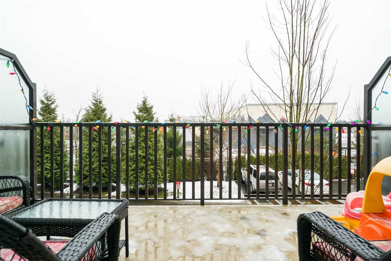 "Photo 12: Photos: 10 8250 209B Street in Langley: Willoughby Heights Townhouse for sale in ""OUTLOOK"" : MLS®# R2229539"
