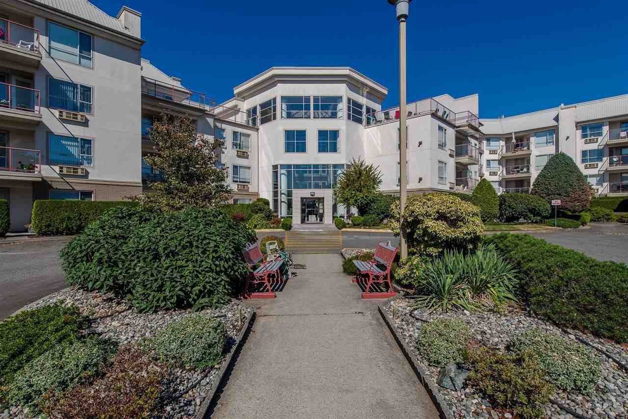 """Main Photo: 220 2626 COUNTESS Street in Abbotsford: Abbotsford West Condo for sale in """"Wedgewood"""" : MLS®# R2231848"""