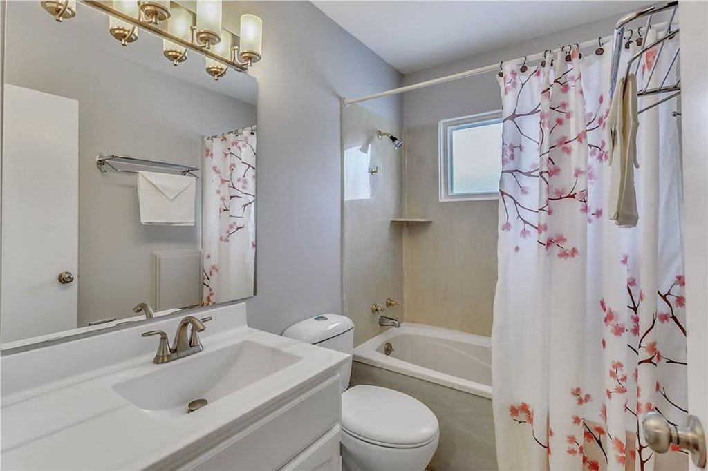 Photo 15: Photos: 4431 4 ST NW in Calgary: Highwood House for sale : MLS®# C4161486