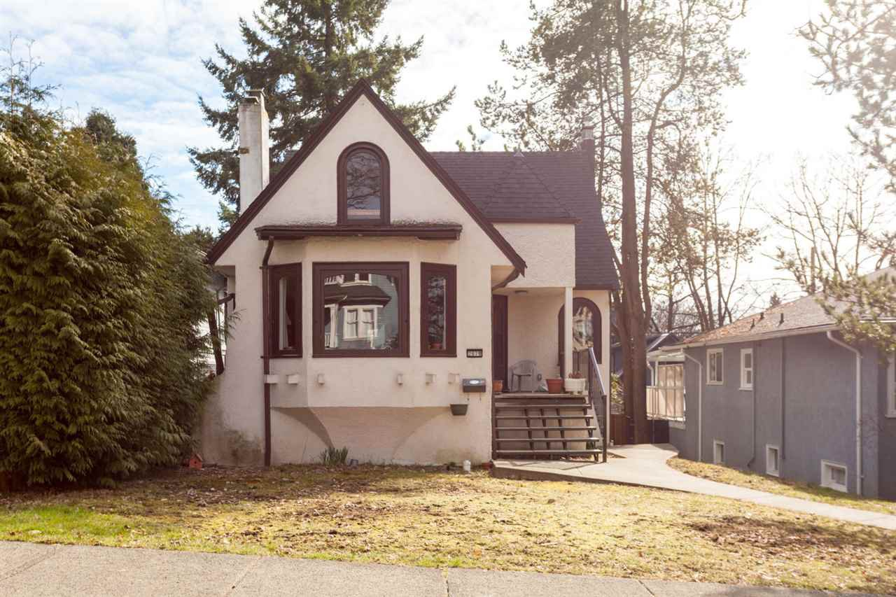 Main Photo: 2678 W 11TH Avenue in Vancouver: Kitsilano House for sale (Vancouver West)  : MLS®# R2246223