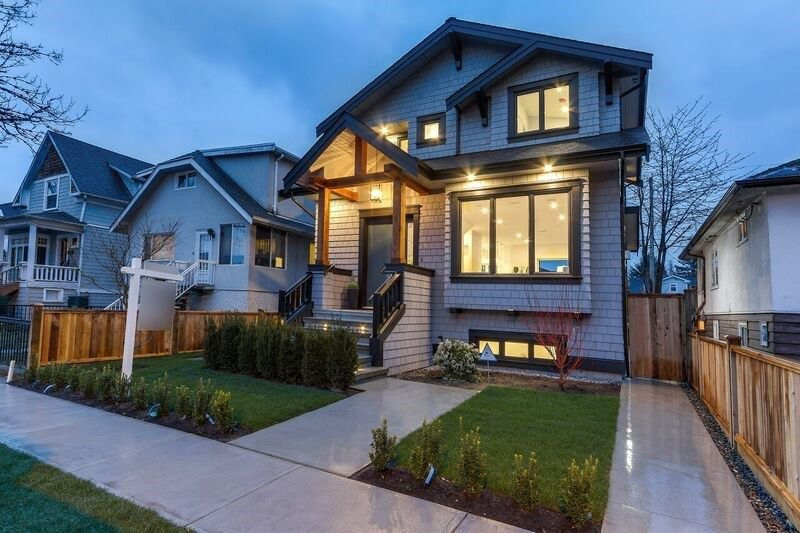 """Main Photo: 5296 ELGIN Street in Vancouver: Knight House for sale in """"FRASERHOOD"""" (Vancouver East)  : MLS®# R2254214"""