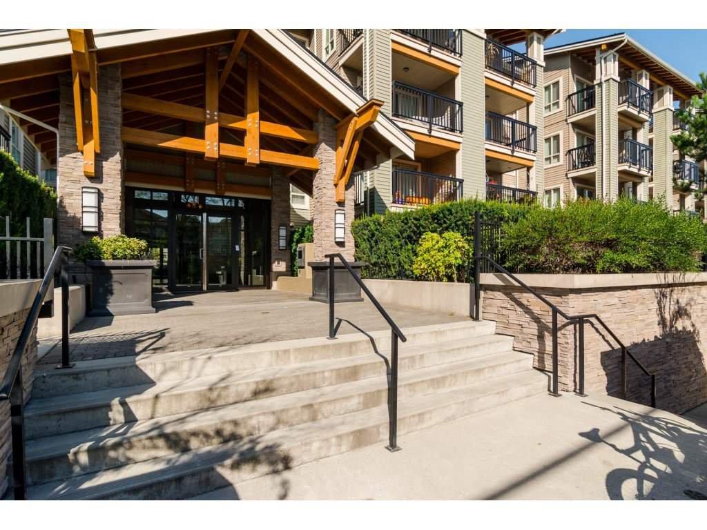 "Photo 2: Photos: 119 21009 56 Avenue in Langley: Salmon River Condo for sale in ""CORNERSTONE"" : MLS®# R2260684"