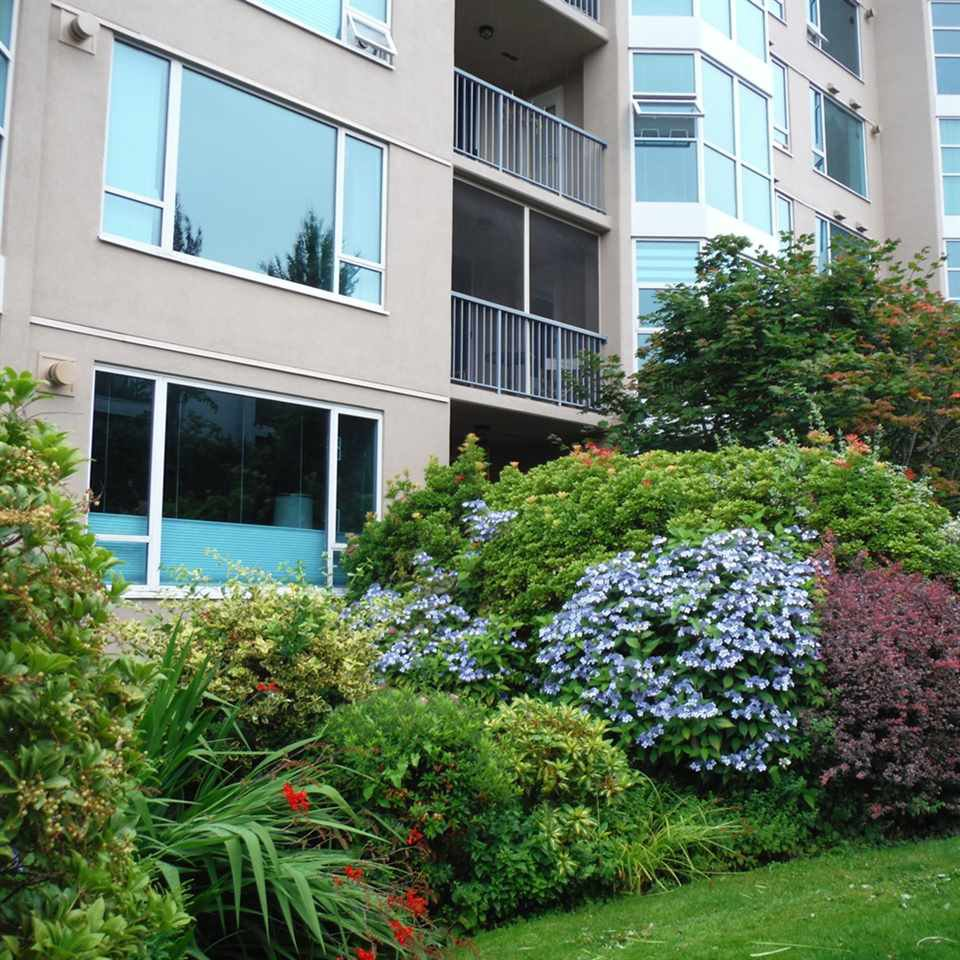 "Photo 3: Photos: 806 12148 224 Street in Maple Ridge: East Central Condo for sale in ""PANORAMA"" : MLS®# R2285555"