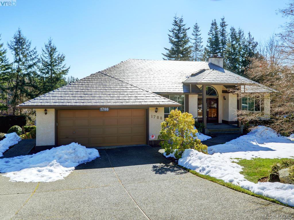 Main Photo: 1788 Fairfax Place in NORTH SAANICH: NS Dean Park Single Family Detached for sale (North Saanich)  : MLS®# 406085
