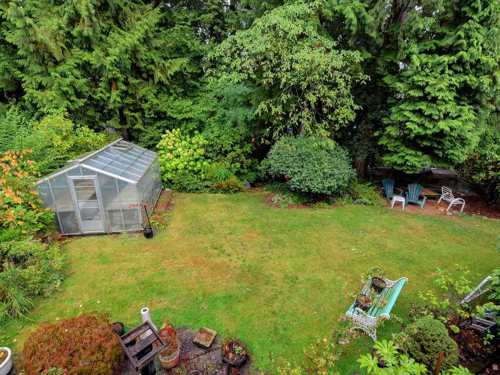 Photo 5: Photos: 3788 ST. ANDREWS Avenue in North Vancouver: Upper Lonsdale House for sale : MLS®# R2344639