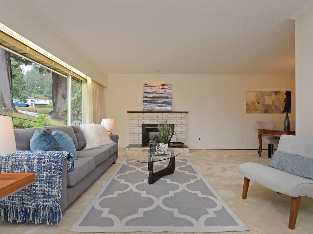 Photo 6: Photos: 3788 ST. ANDREWS Avenue in North Vancouver: Upper Lonsdale House for sale : MLS®# R2344639