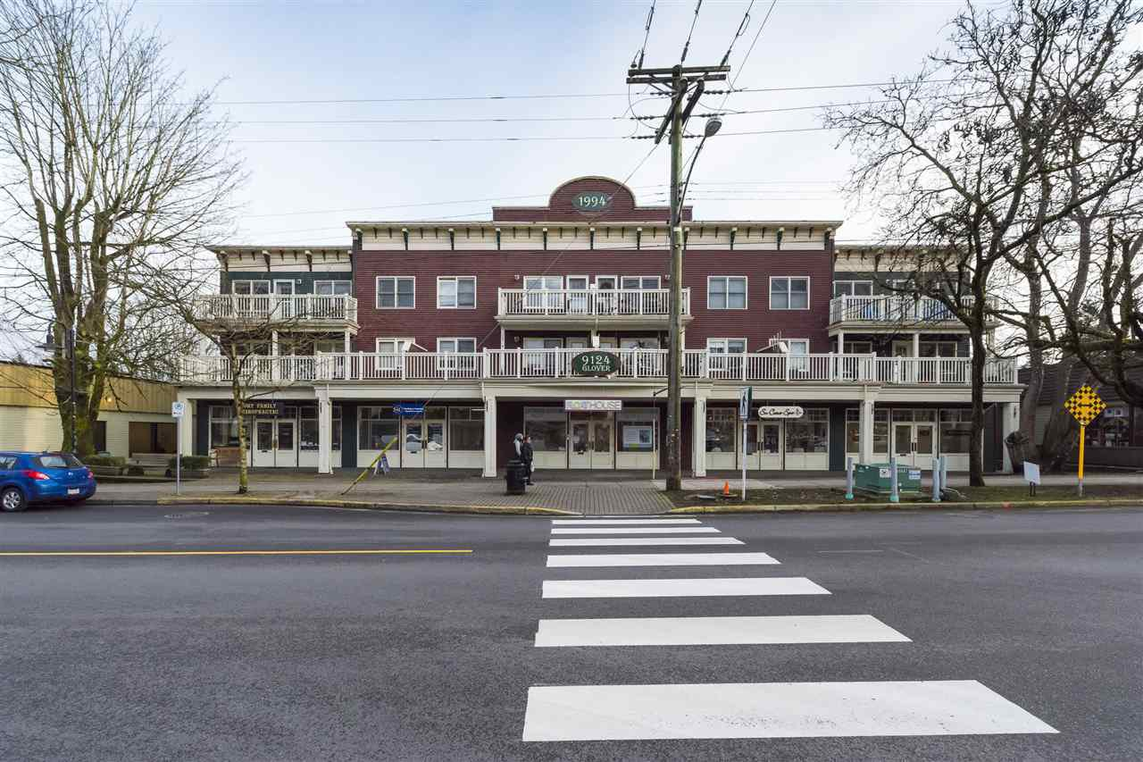 Main Photo: 205 9124 GLOVER Road in Langley: Fort Langley Condo for sale : MLS®# R2351297