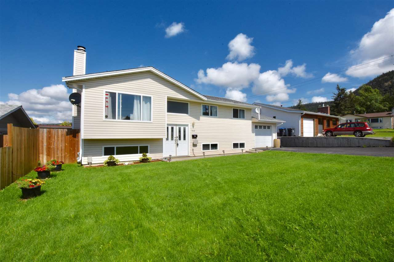 Main Photo: 765 SMITH Street in Williams Lake: Williams Lake - City House for sale (Williams Lake (Zone 27))  : MLS®# R2383829