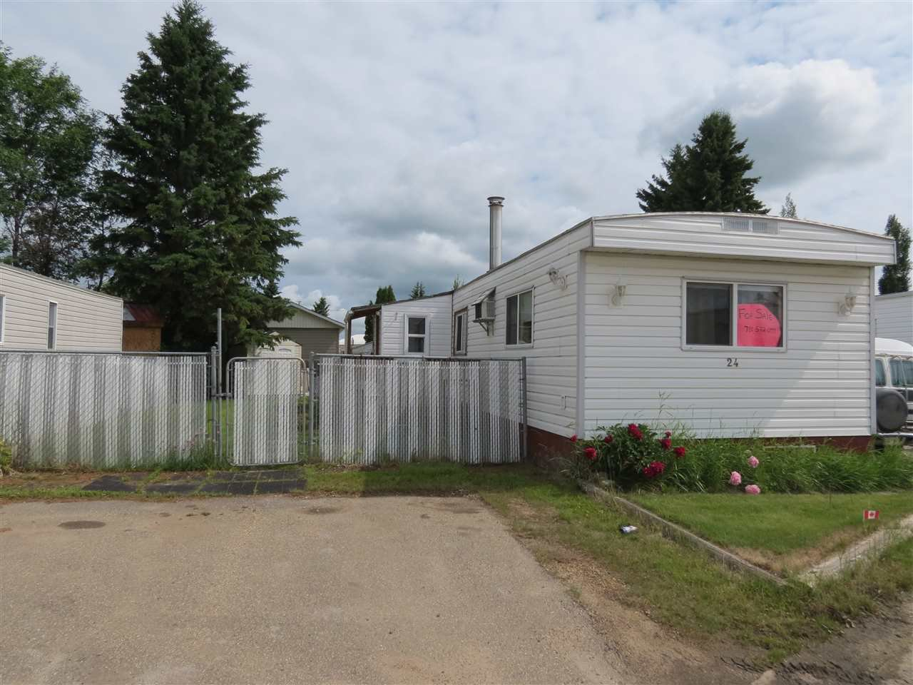 Main Photo: 24 10420 101A Street: Morinville Mobile for sale : MLS®# E4164192