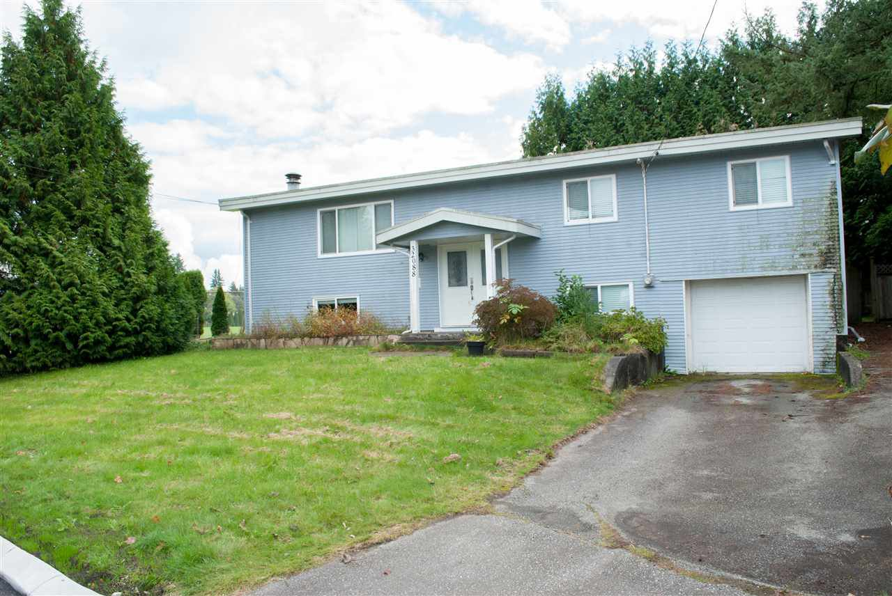 Main Photo: 32088 SANDPIPER Drive in Mission: Mission BC House for sale : MLS®# R2411320