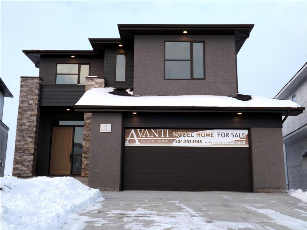 Main Photo: 11 Sansregret Court in Winnipeg: Charleswood Residential for sale (1H)  : MLS®# 202000894