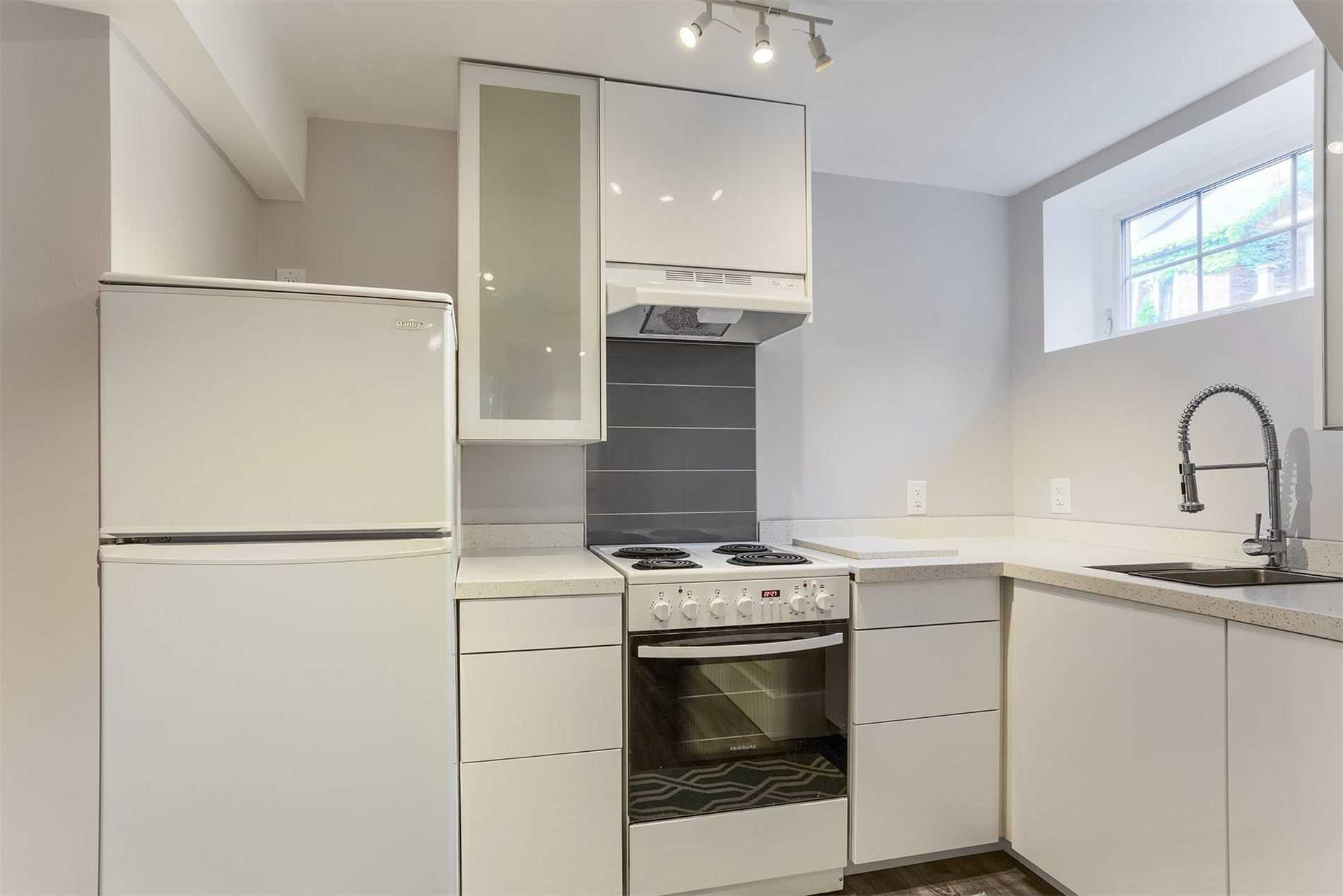 Photo 7: Photos: 53 Pearson Avenue in Toronto: Roncesvalles House (Other) for lease (Toronto W01)  : MLS®# W4816830
