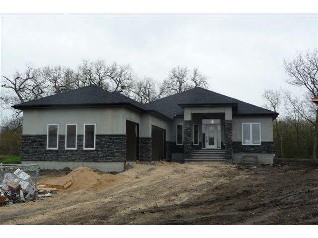 Main Photo: 219 McBeth Grove in WINNIPEG: West Kildonan / Garden City Residential for sale (North West Winnipeg)  : MLS®# 1107725