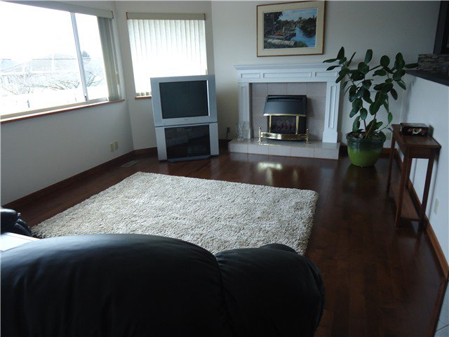Photo 4: Photos: 4462 WILLIAM Street in Burnaby: Willingdon Heights House for sale (Burnaby North)  : MLS®# V935195