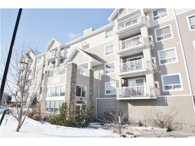 Main Photo: 208 128 CENTRE Avenue: Cochrane Condo for sale : MLS®# C3601750