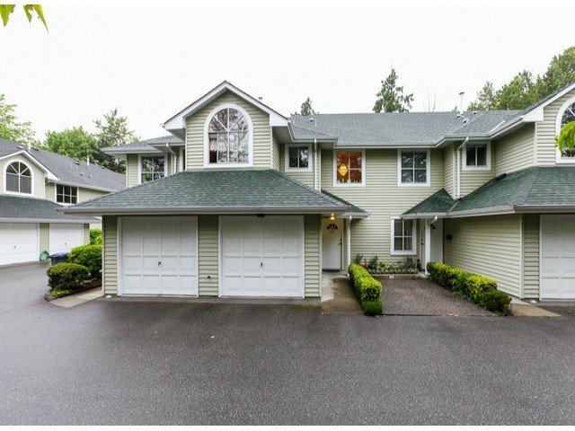 """Main Photo: 203 15439 100 Avenue in Surrey: Guildford Townhouse for sale in """"Plumtree Lane"""" (North Surrey)  : MLS®# F1404844"""