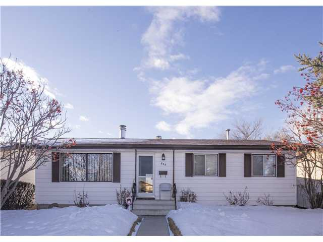 Main Photo: 635 MARYVALE Way NE in Calgary: Marlborough Residential Detached Single Family for sale : MLS®# C3649875