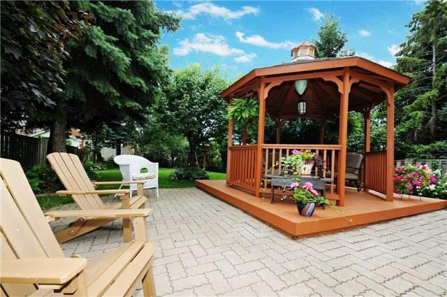 Main Photo: 7 Winner's Circle in Whitby: Blue Grass Meadows House (2-Storey) for sale : MLS®# E3284089