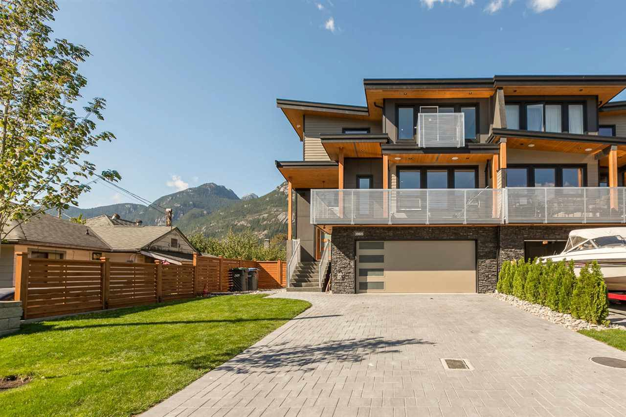 "Main Photo: 39805 NO NAME Road in Squamish: Northyards 1/2 Duplex for sale in ""NORTHYARDS"" : MLS®# V1141730"