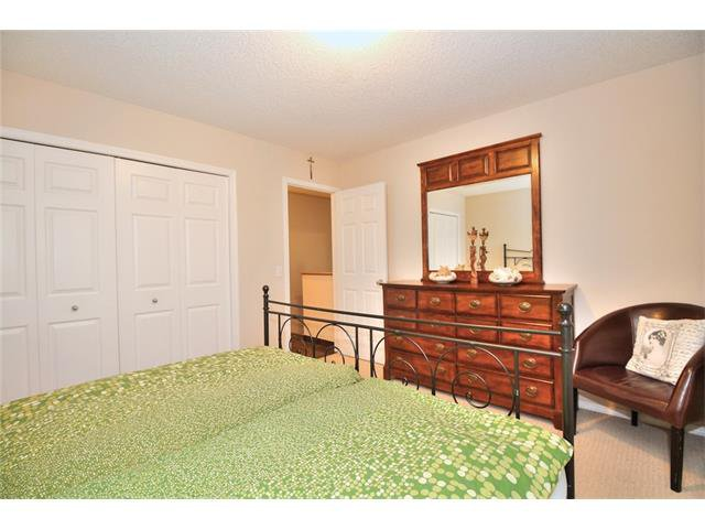 Photo 17: Photos: 662 EVERMEADOW Road SW in Calgary: Evergreen House for sale : MLS®# C4045119