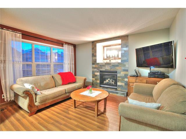 Photo 3: Photos: 662 EVERMEADOW Road SW in Calgary: Evergreen House for sale : MLS®# C4045119