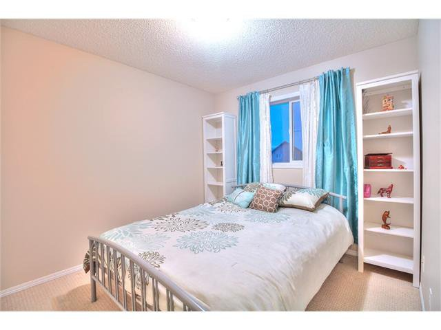 Photo 12: Photos: 662 EVERMEADOW Road SW in Calgary: Evergreen House for sale : MLS®# C4045119