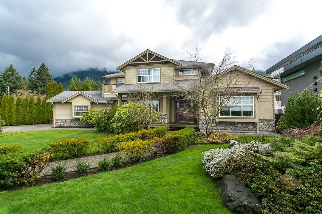 Main Photo: 4456 CANTERBURY Crescent in North Vancouver: Forest Hills NV House for sale : MLS®# R2047393