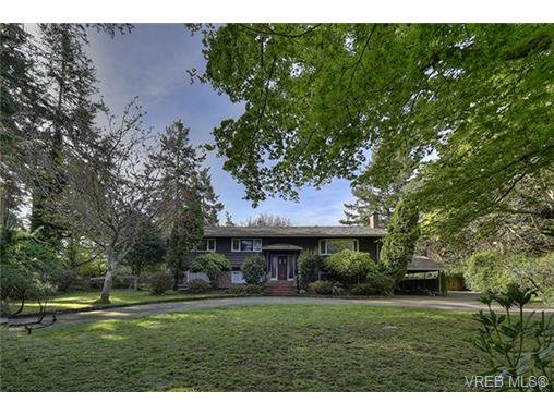 Main Photo: 2987 Baynes Rd in VICTORIA: SE Ten Mile Point Single Family Detached for sale (Saanich East)  : MLS®# 726592