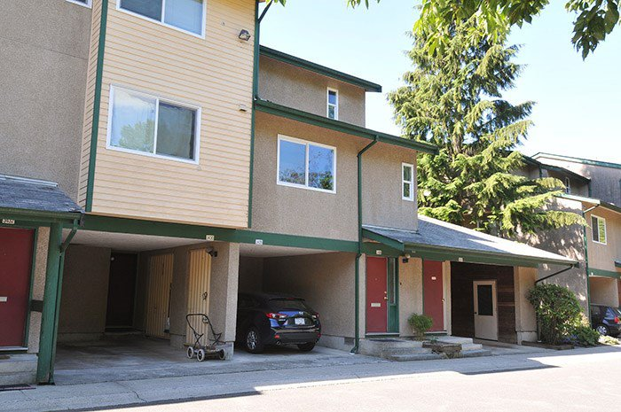 """Main Photo: 3426 COPELAND Avenue in Vancouver: Champlain Heights Townhouse for sale in """"COPELAND"""" (Vancouver East)  : MLS®# R2084337"""