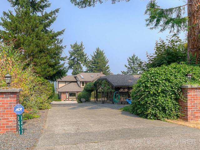 Main Photo: 1452 MADRONA DRIVE in NANOOSE BAY: Z5 Nanoose House for sale (Zone 5 - Parksville/Qualicum)  : MLS®# 429278