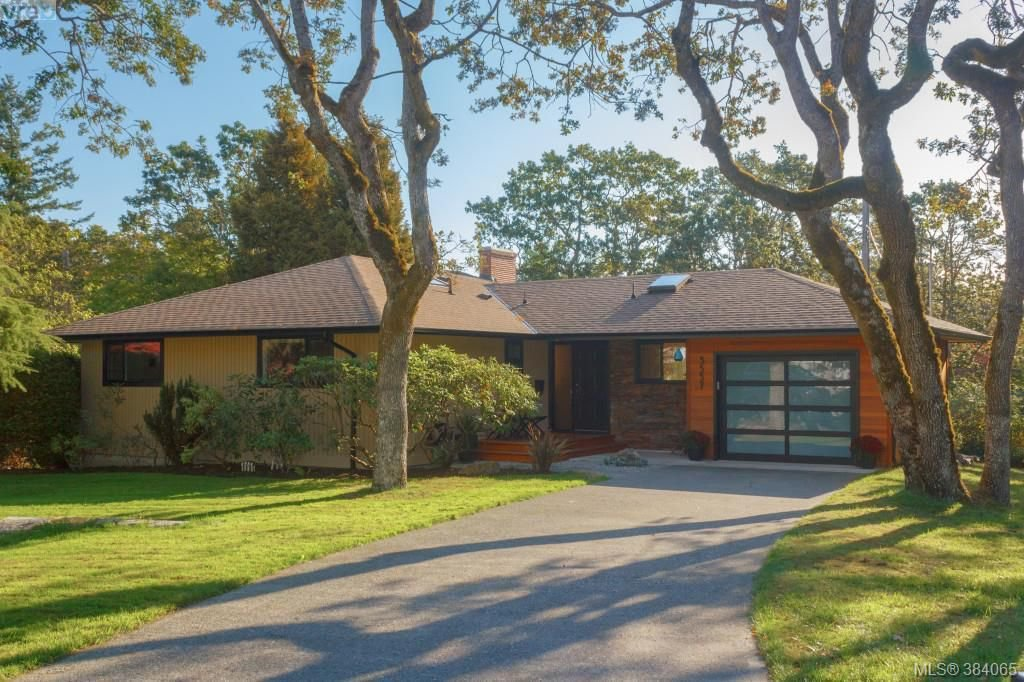 Main Photo: 3557 Kelsey Pl in VICTORIA: OB Henderson House for sale (Oak Bay)  : MLS®# 771936