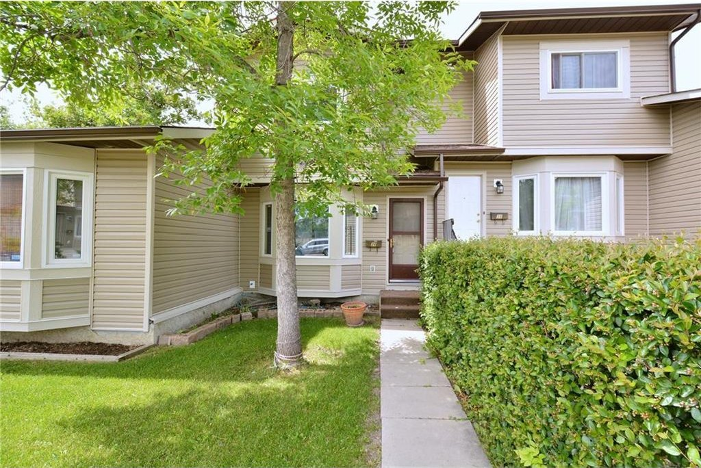 Main Photo: 34 FALSHIRE TC NE in Calgary: Falconridge House for sale : MLS®# C4129244