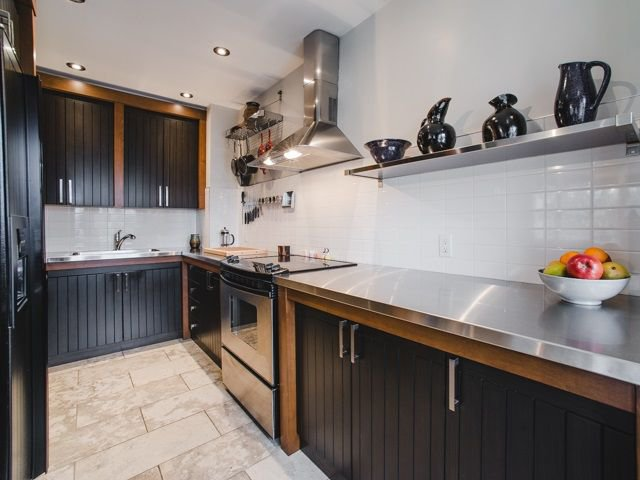 "Main Photo: 56 1101 NICOLA Street in Vancouver: West End VW Condo for sale in ""QUEEN CHARLOTTE"" (Vancouver West)  : MLS®# R2243534"