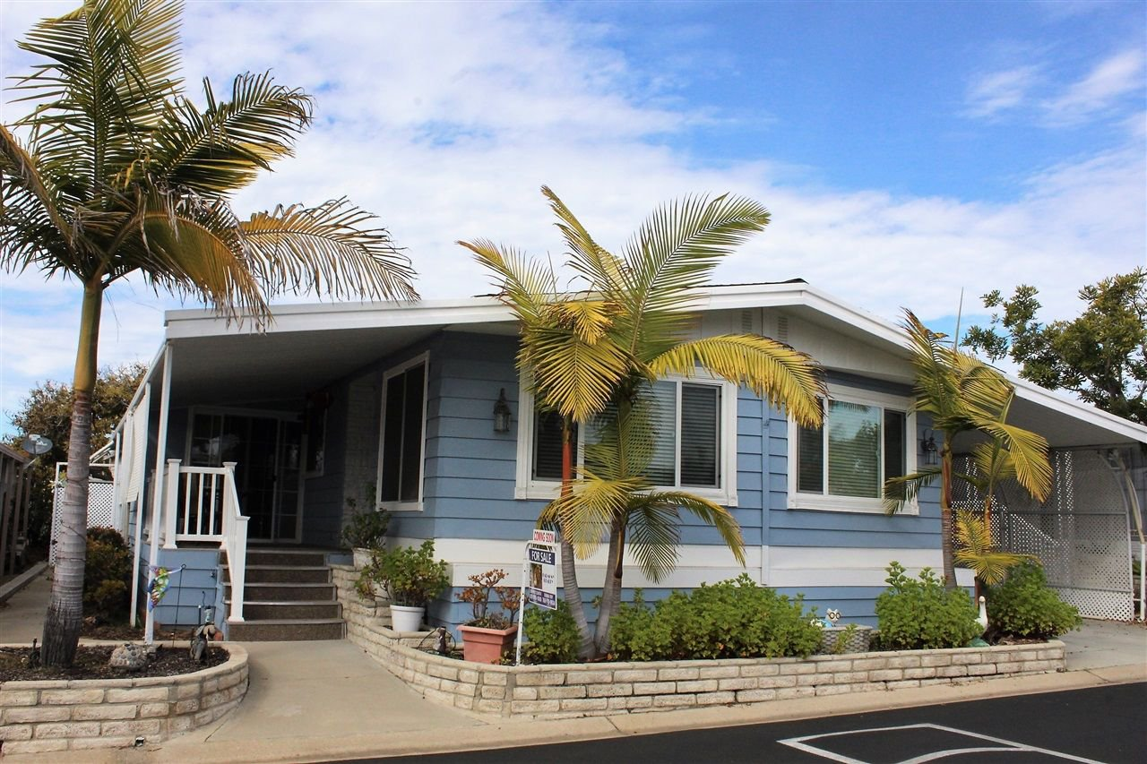 Main Photo: CARLSBAD SOUTH Manufactured Home for sale : 2 bedrooms : 7266 San Luis in Carlsbad