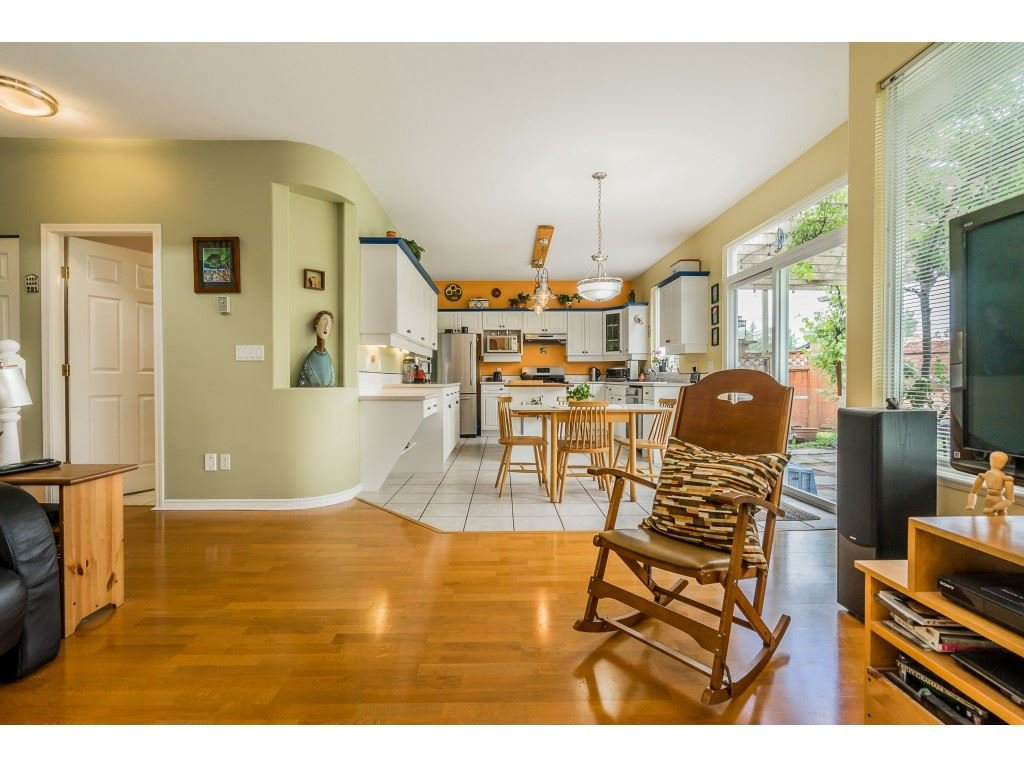 "Photo 10: Photos: 23801 KANAKA Way in Maple Ridge: Cottonwood MR House for sale in ""Creekside Park"" : MLS®# R2371623"