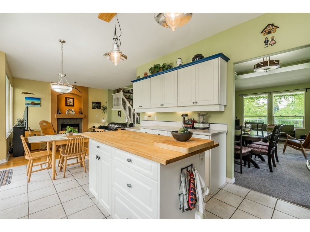 "Photo 8: Photos: 23801 KANAKA Way in Maple Ridge: Cottonwood MR House for sale in ""Creekside Park"" : MLS®# R2371623"