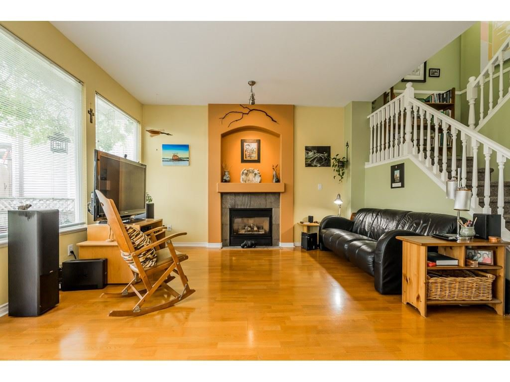 "Photo 9: Photos: 23801 KANAKA Way in Maple Ridge: Cottonwood MR House for sale in ""Creekside Park"" : MLS®# R2371623"