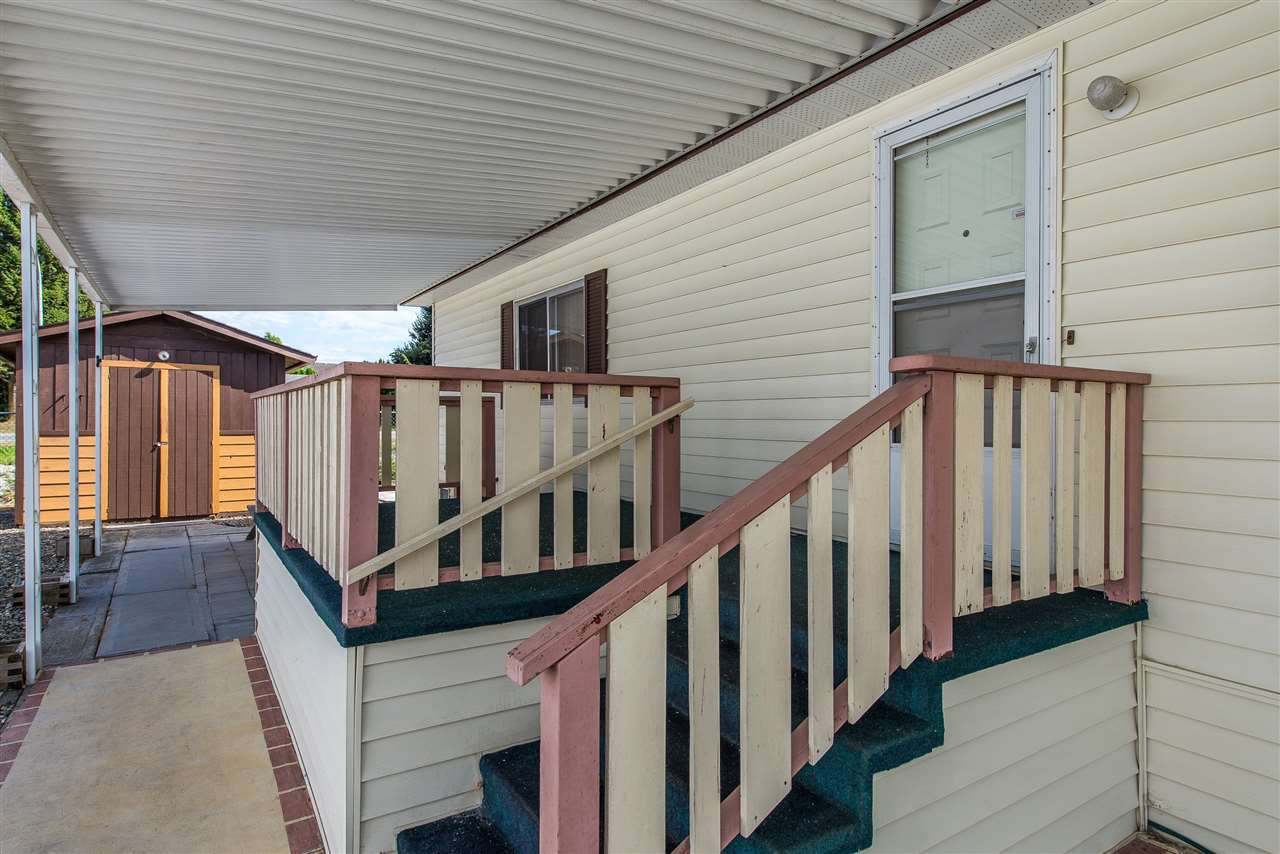 Photo 3: Photos: 70 9055 ASHWELL Road in Chilliwack: Chilliwack W Young-Well Manufactured Home for sale : MLS®# R2373722