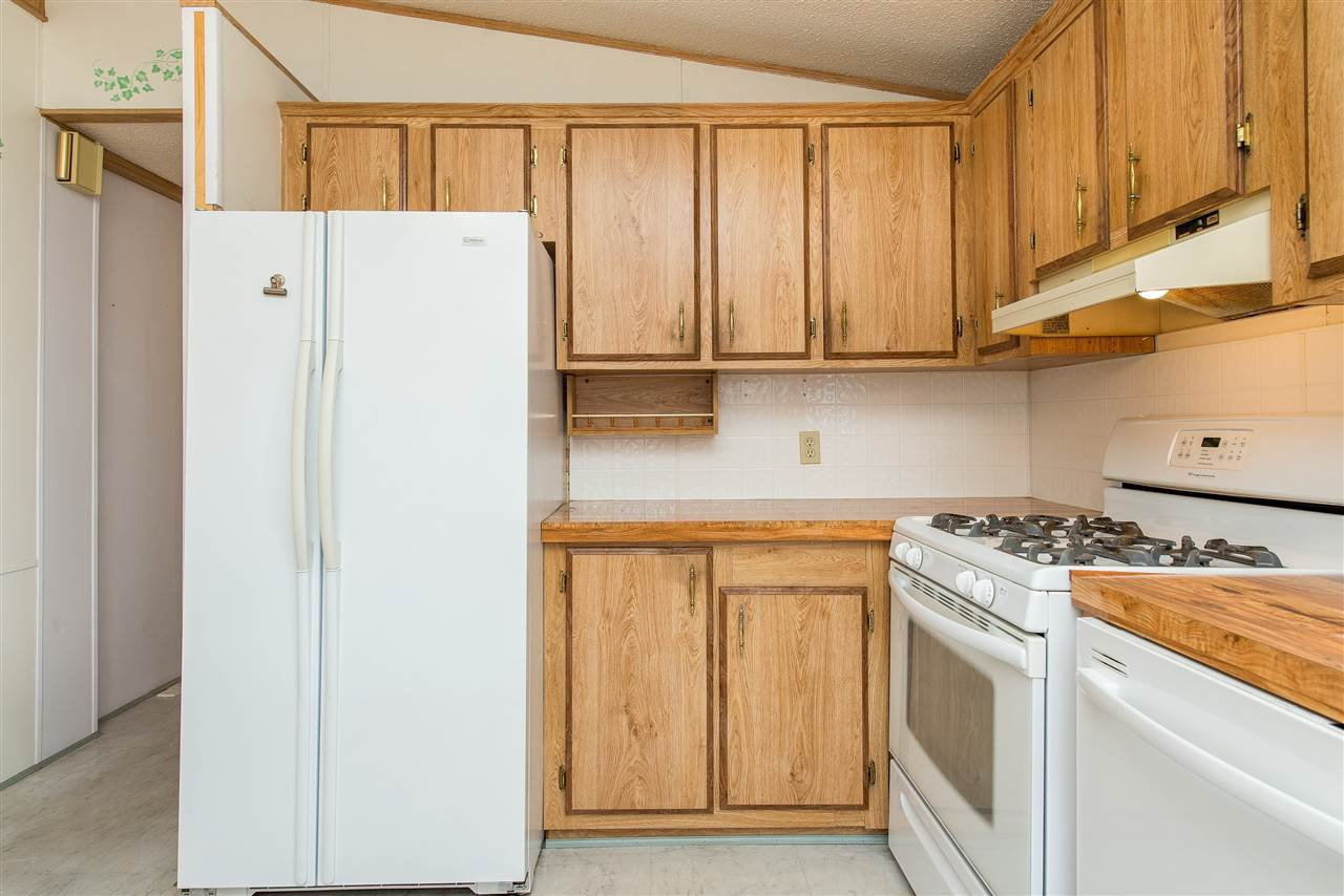 Photo 15: Photos: 70 9055 ASHWELL Road in Chilliwack: Chilliwack W Young-Well Manufactured Home for sale : MLS®# R2373722