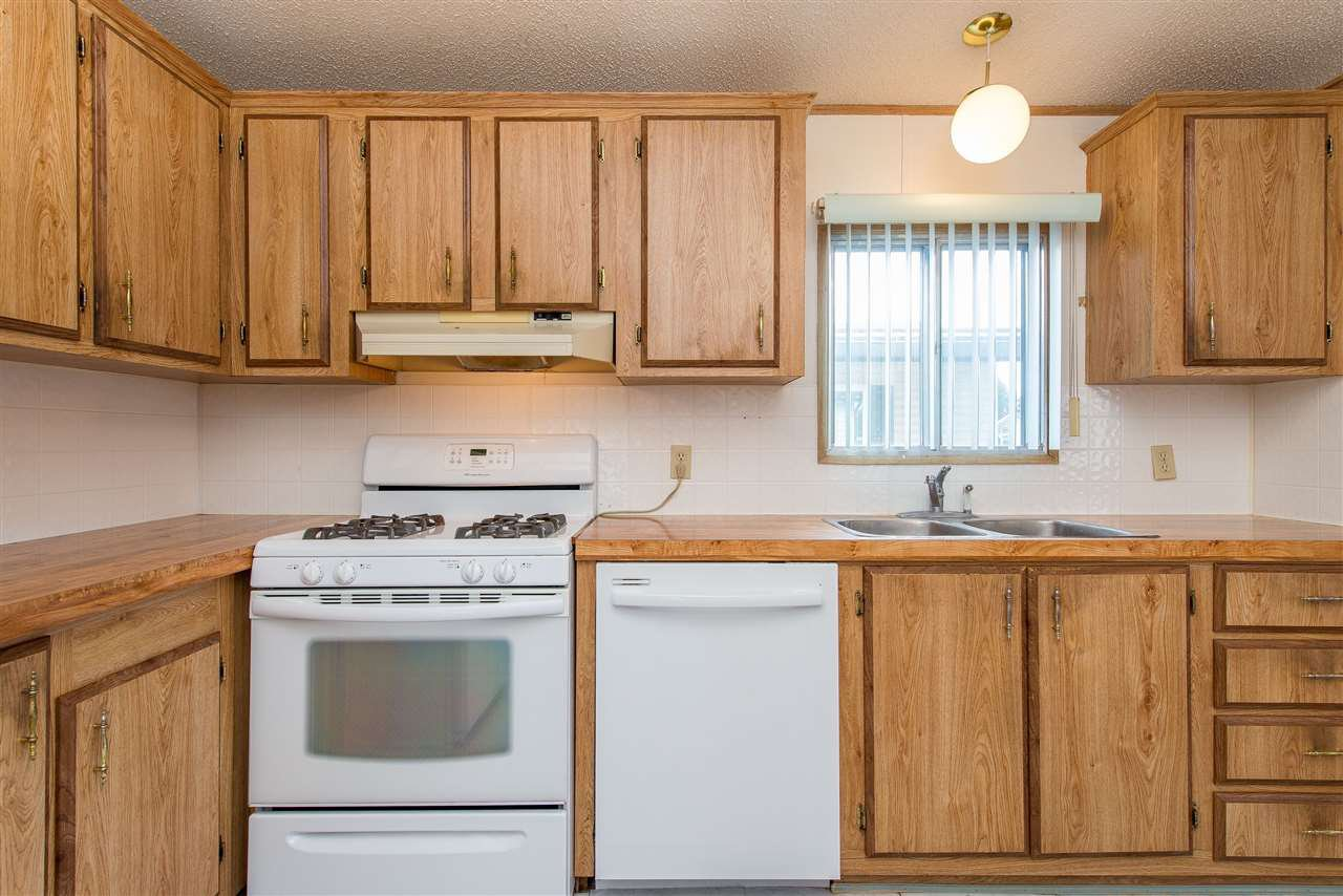 Photo 14: Photos: 70 9055 ASHWELL Road in Chilliwack: Chilliwack W Young-Well Manufactured Home for sale : MLS®# R2373722