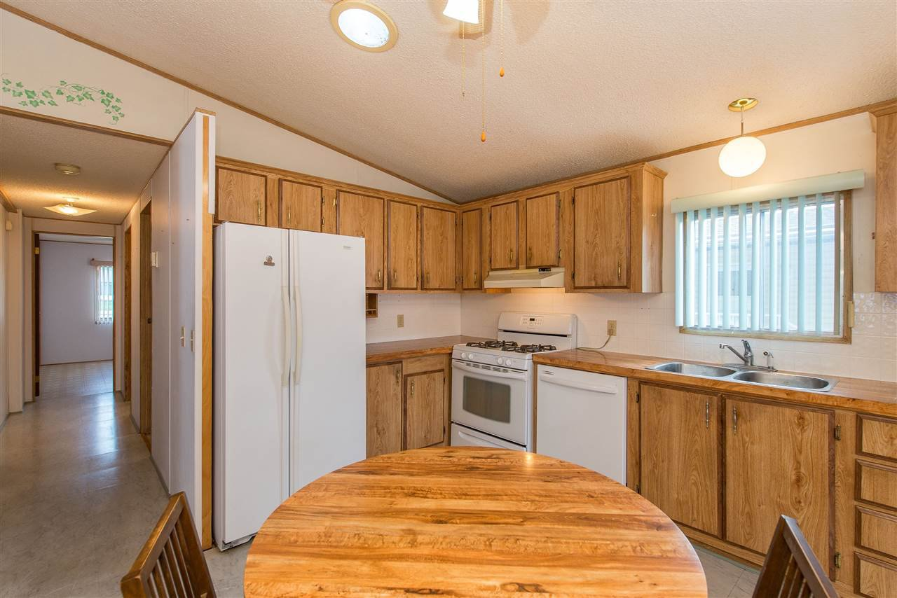 Photo 16: Photos: 70 9055 ASHWELL Road in Chilliwack: Chilliwack W Young-Well Manufactured Home for sale : MLS®# R2373722