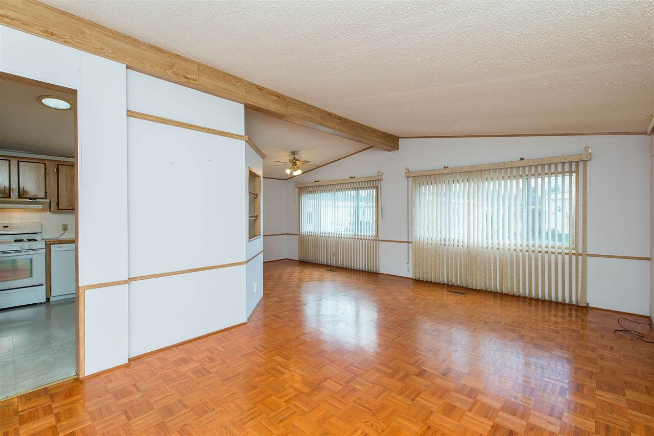 Photo 6: Photos: 70 9055 ASHWELL Road in Chilliwack: Chilliwack W Young-Well Manufactured Home for sale : MLS®# R2373722