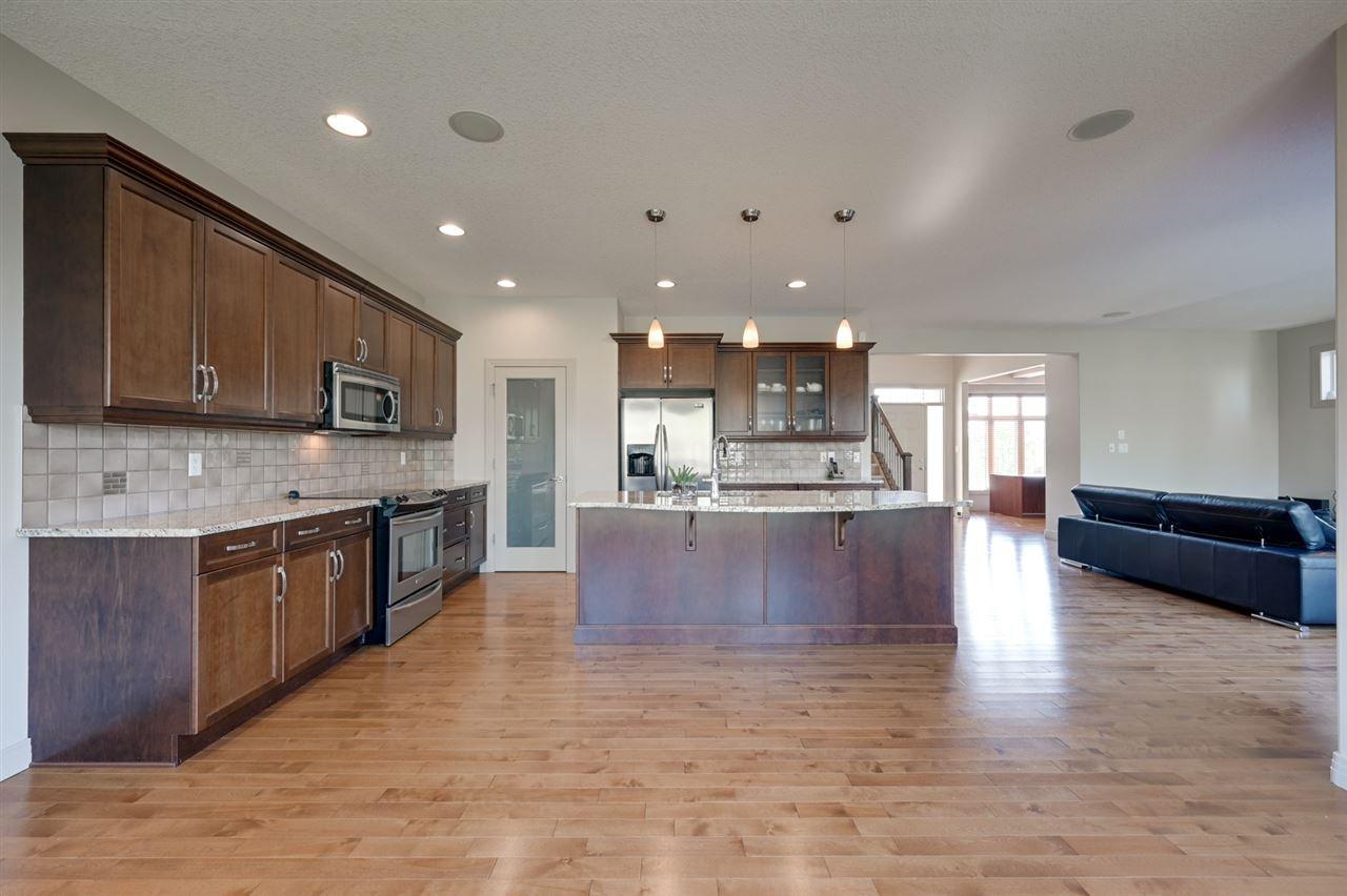 Main Photo: 6165 MAYNARD Crescent in Edmonton: Zone 14 House for sale : MLS®# E4159150