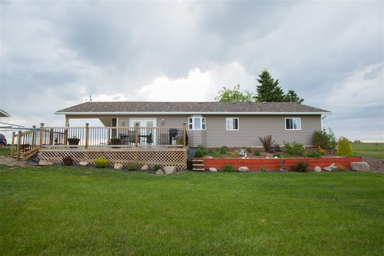Main Photo: 56103 RR 14 Road: Rural Lac Ste. Anne County House for sale : MLS®# E4162189