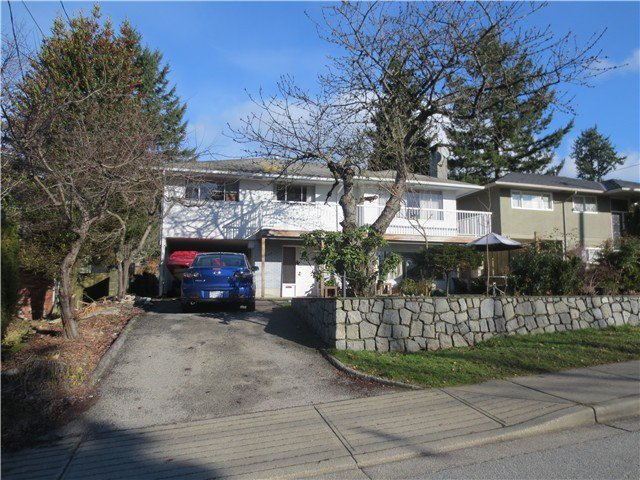 Main Photo: 356 W QUEENS Road in North Vancouver: Upper Lonsdale Home for sale ()  : MLS®# V991096