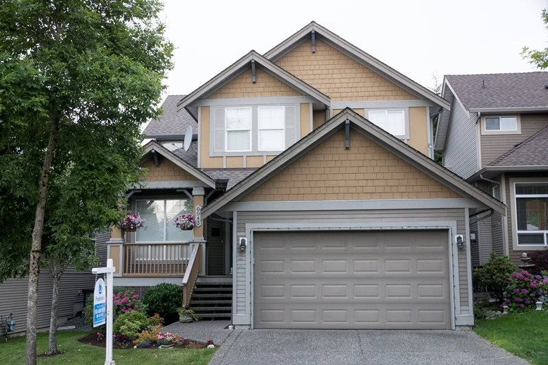 "Main Photo: 6943 196A Street in Langley: Willoughby Heights House for sale in ""Camden Park"" : MLS®# R2083537"